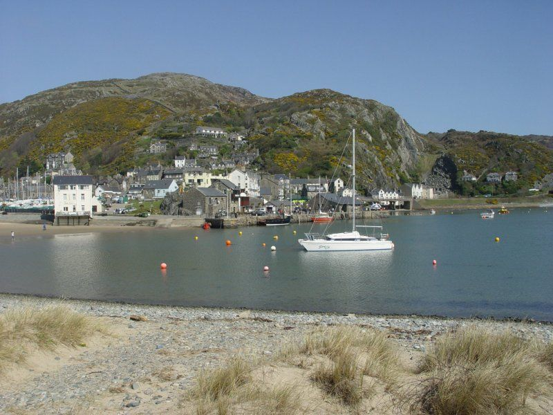 The seaside resort of Barmouth is a short drive away